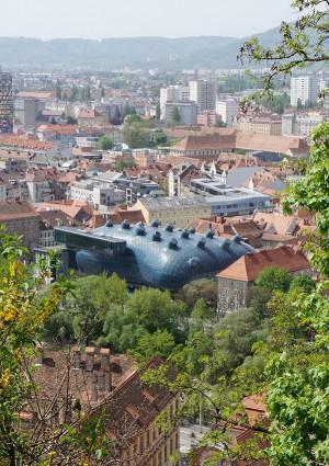 歴史的文化遺産を守りながら、過去と現代をつなぐ大胆な都市戦略